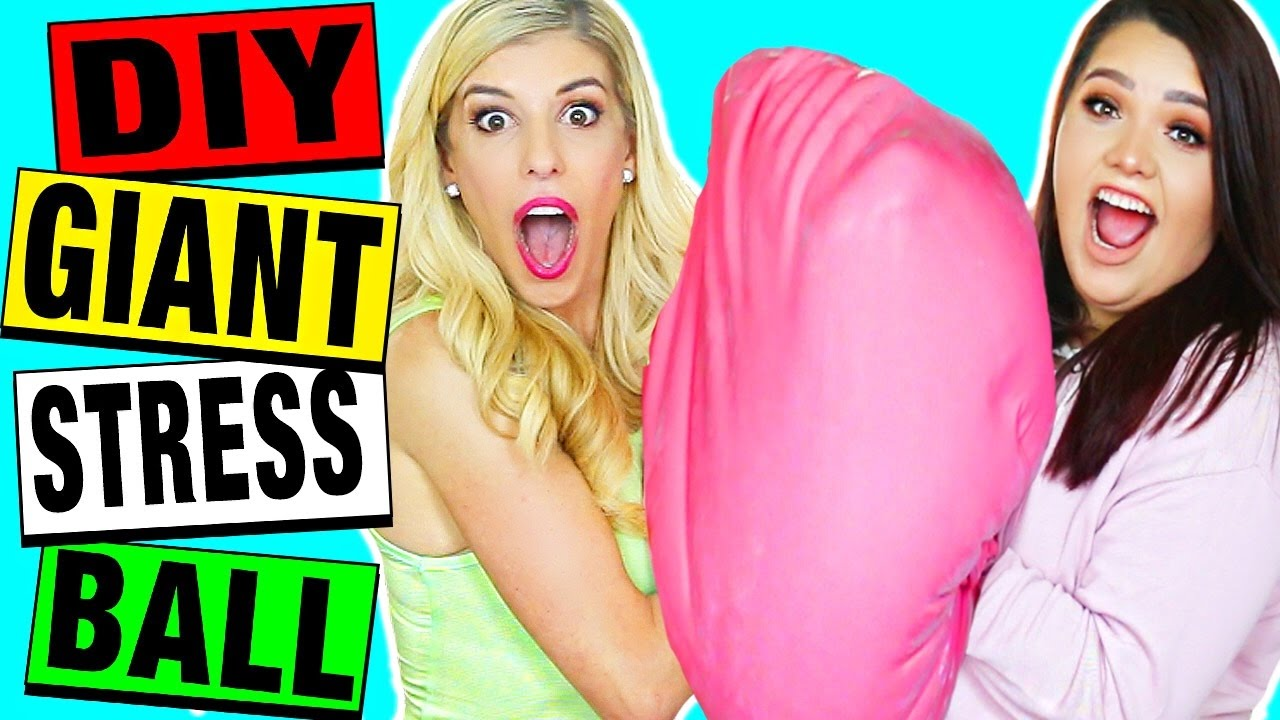 DIY GIANT OOBLECK STRESS BALL (50 lbs!) with Karina Garcia!!