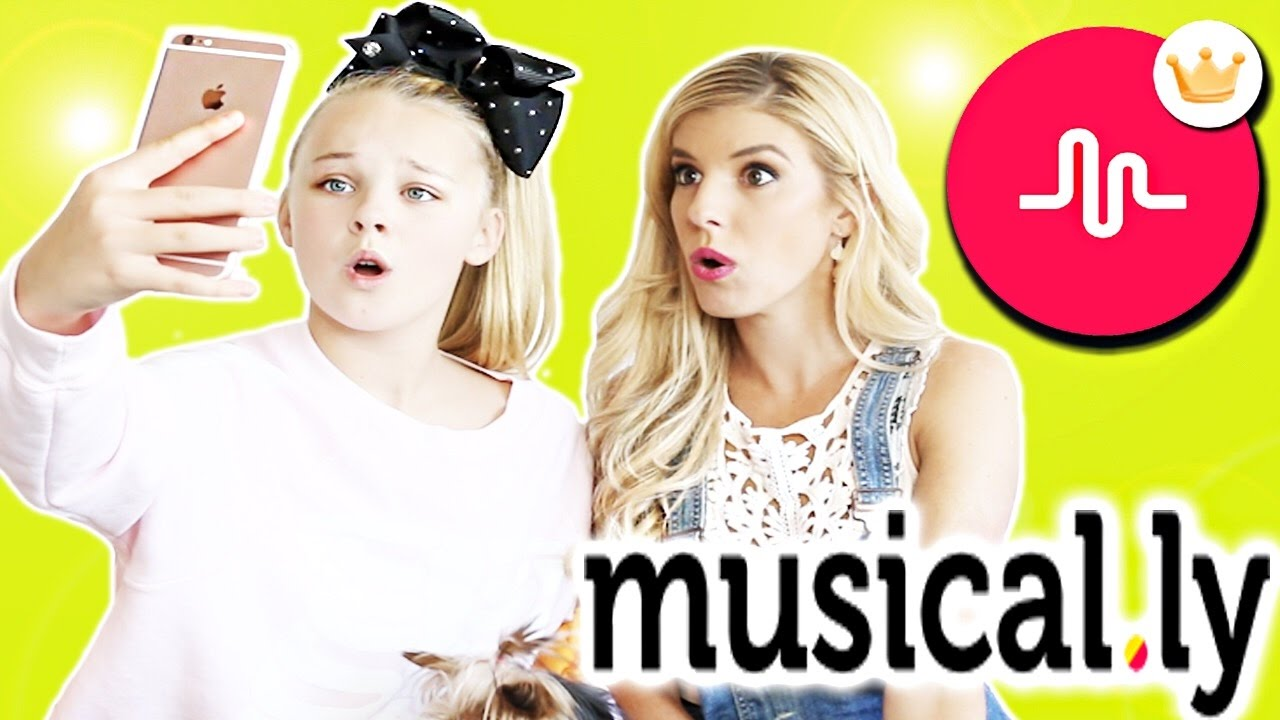 Trying Musical.ly Transitions w/ JoJo Siwa!