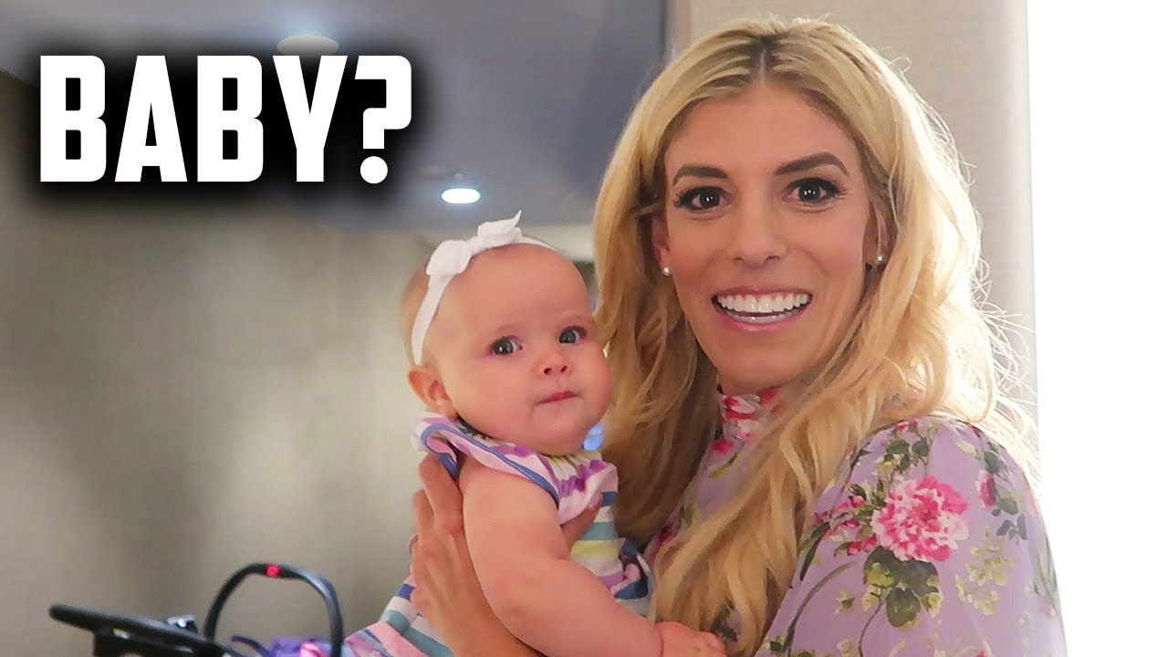 REBECCA WITH THE CUTEST BABY! JHOUSE VLOGS YOUNGEST! Day 245
