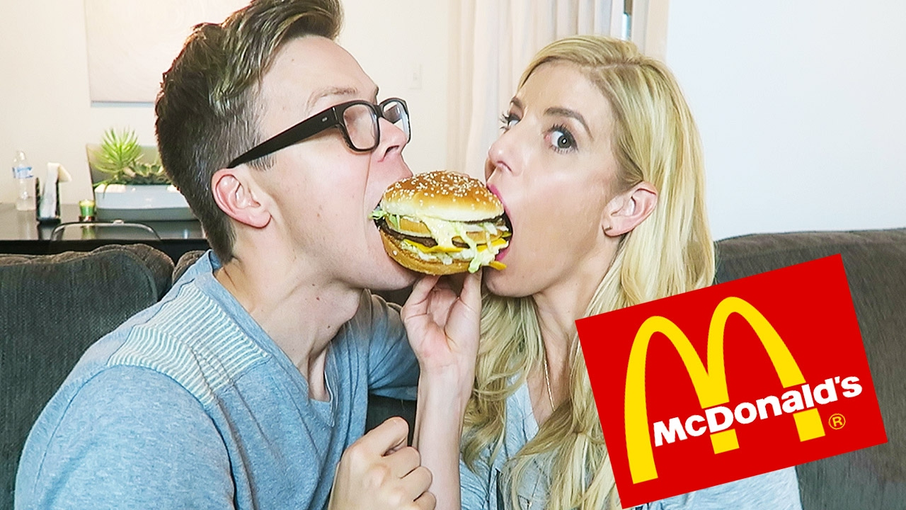 TRYING THE NEW GIANT BIG MAC FROM MCDONALD'S - (DAY 40)