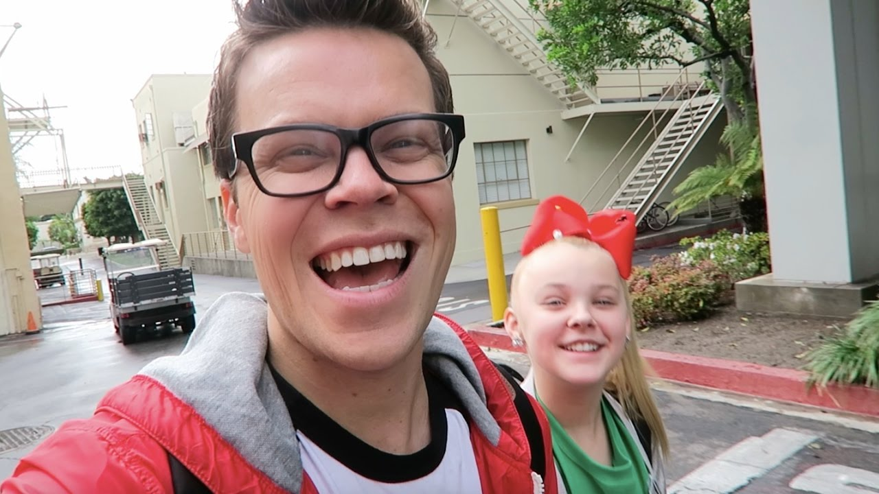 BEING JOJO'S LEGAL GUARDIAN  FOR THE DAY - Vlogmas Day 17